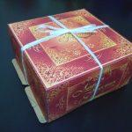 Торт упакованный в коробку